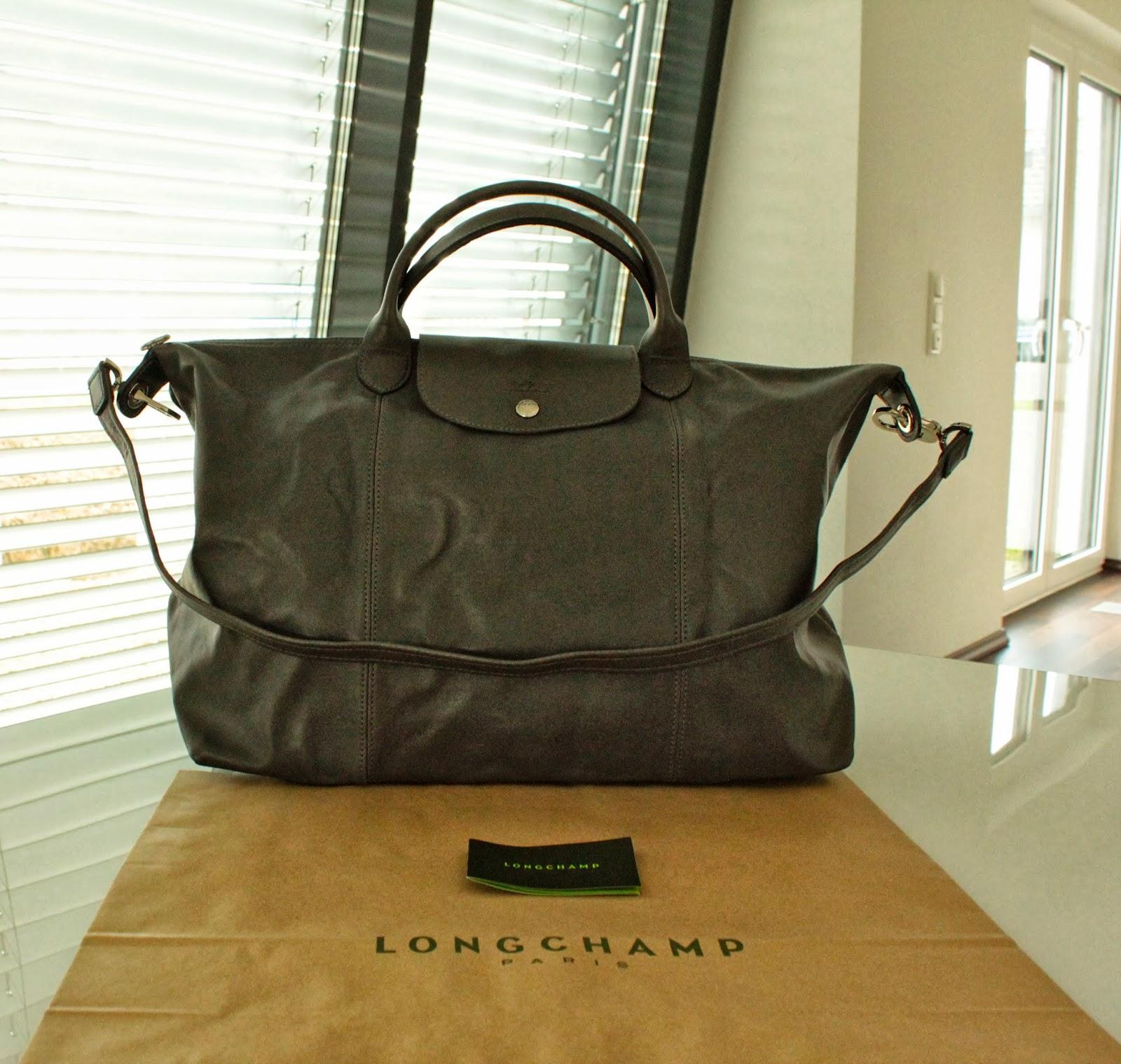 97f2b9f2a868 Brand New Authentic Longchamp Le Pliage Cuir Handbag with Shoulder Strap