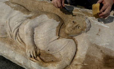 Autoridades de Israel descobrem sarcófago de 1.800 anos