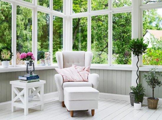Un porche acristalado decoraci n - Como decorar un porche abierto ...