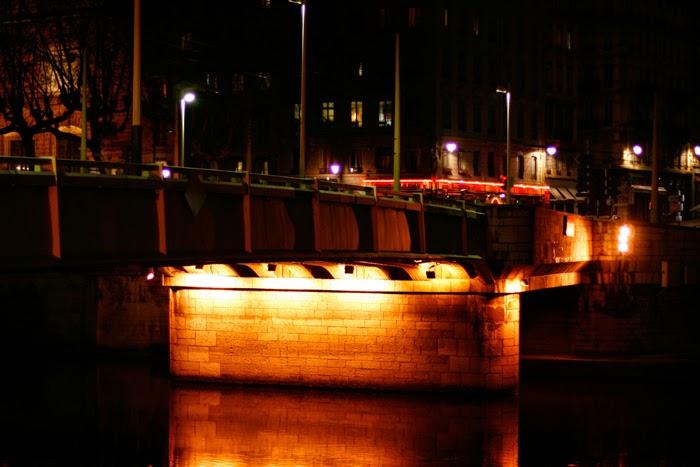 Lyon bei Nacht