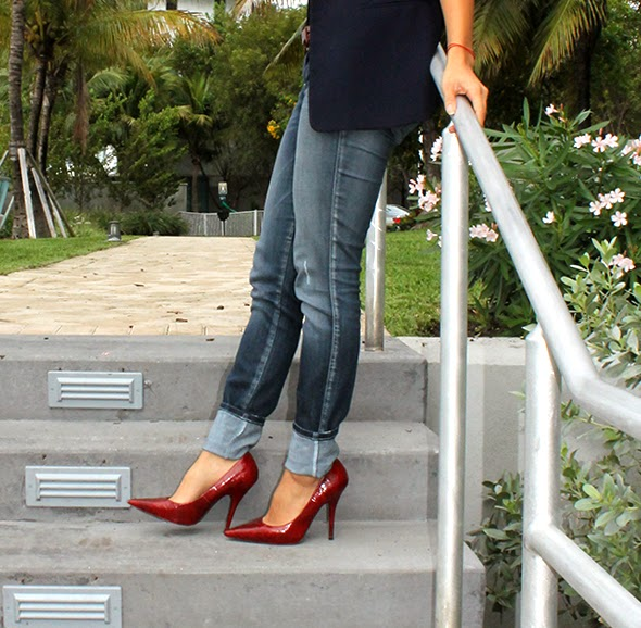 miami fashion blogger, new york fashion blogger, los angeles fashion blogger, style by lynsee, nyfw, new york fashion week, 2014, outfit of the day, fall trends, winter trends, 2014 fashion trends, what to wear, how to wear plaid, how to style plaid, what to wear with plaid, simple outfit, classic outfit, macys blazer, hm shirt, bebe jeans, aldo shoes, kendra phillip bracelet, aldo handbag, tote, plaid, camel, blogger, youtube, beauty guru, lacoste