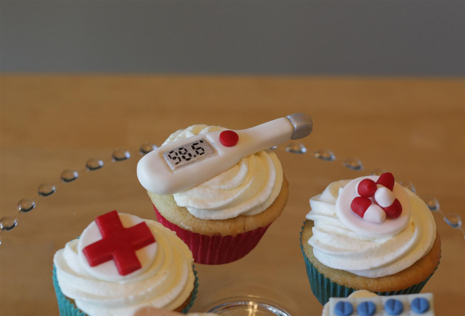 Doctor Cake Cakes Beautiful Cakes For The Occasions Pinterest
