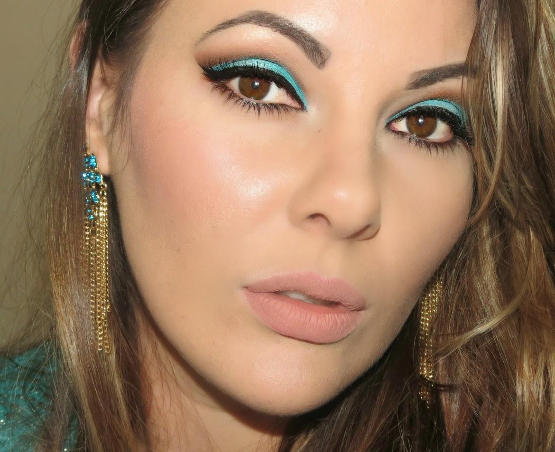 Tutorial de maquiagem azul piscina
