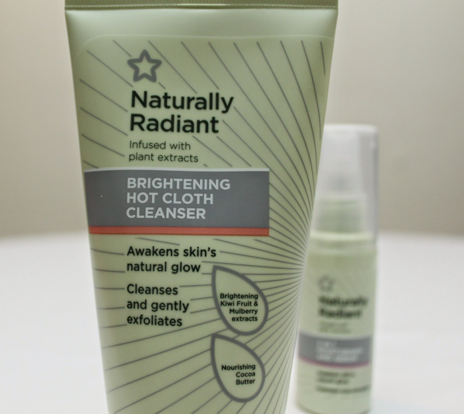 SUPERDRUGS BRIGHTENING HOT CLOTH CLEANSER