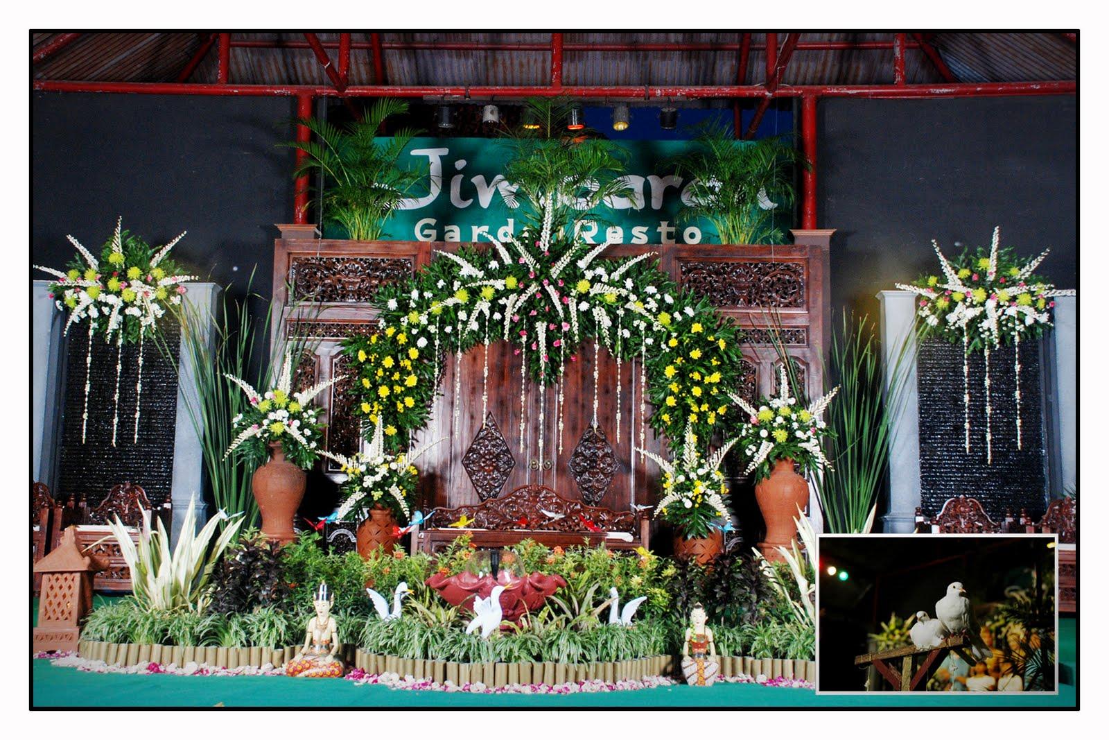 School Stage Decoration Ideas This wedding stage decoration