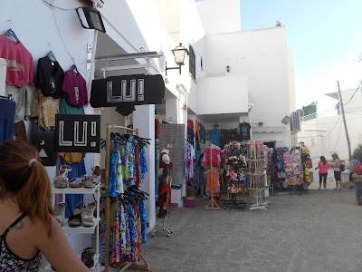 Las calles de Mojácar están cuesta arriba y son laberínticas