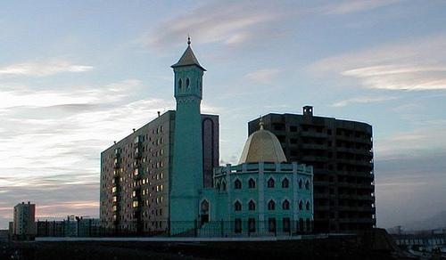 شاهد أول مسجد القطب الشمالي