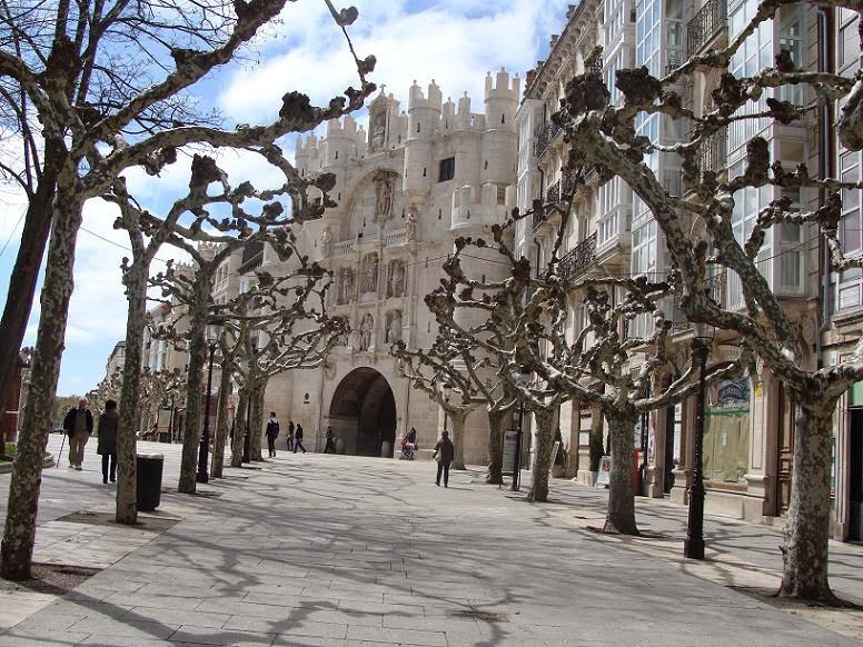 Paseo del Espolón y el Arco de Santa María, Burgos