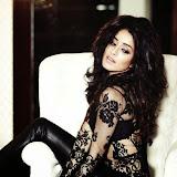 Shraddha-Kapoor-Hot-Photoshoot-for-Filmfare-Magazine-August-2014-Hot-photos%2B(6)
