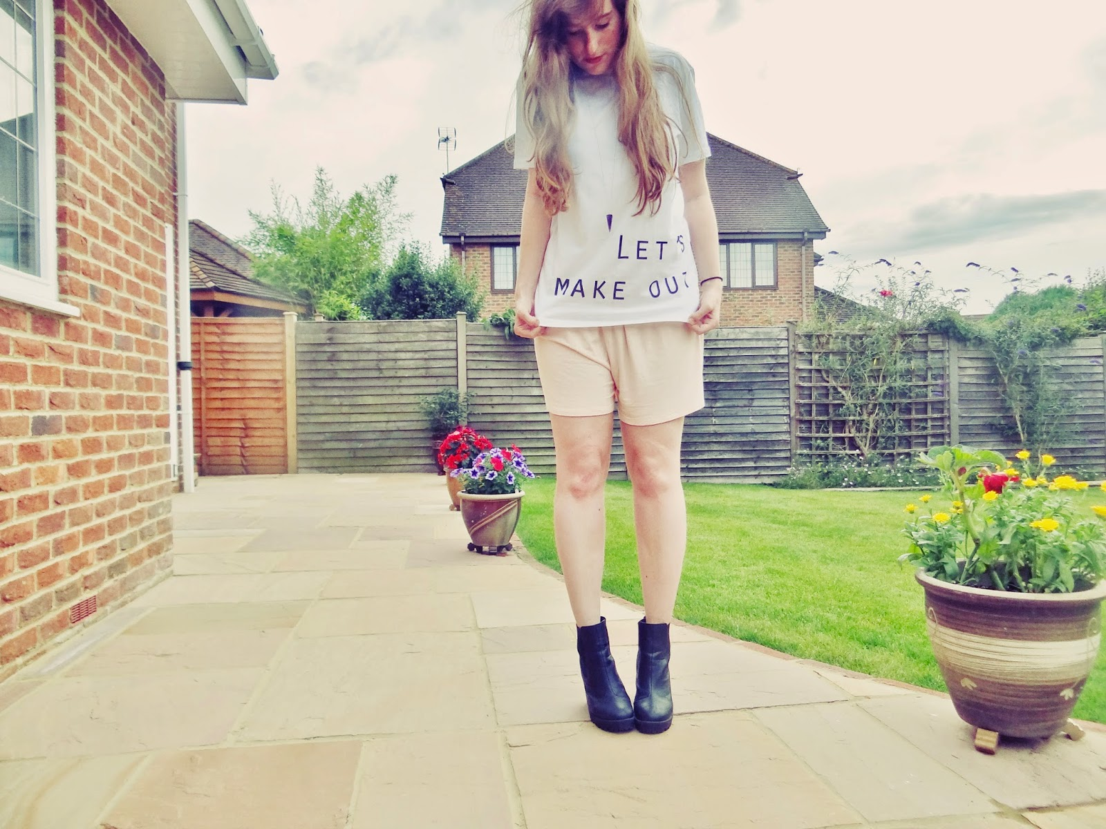 pastel colours fashion styling outfit