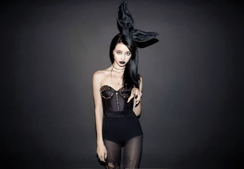 Fetish Inspirations : Black Gothic Bunny