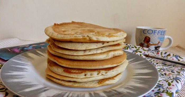 les mets tiss s cuisine d 39 ici et d 39 ailleurs pancakes au lait d 39 amandes sans lactose. Black Bedroom Furniture Sets. Home Design Ideas