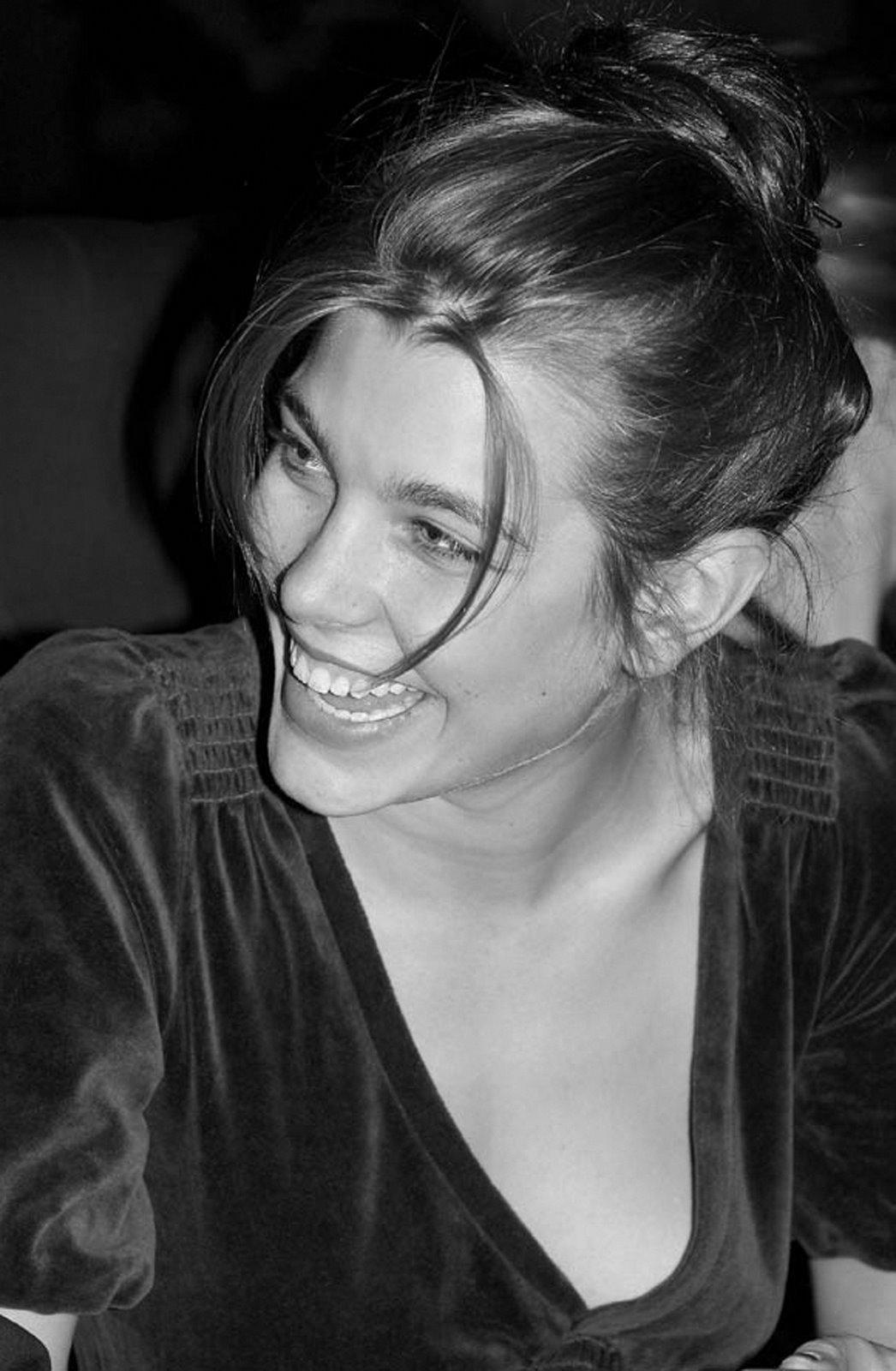 L 39 eleganza del gusto charlotte casiraghi for Charlotte dujardin 50 50