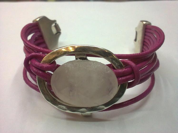 en rosa con cabujon
