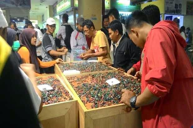 Pasar Batu Akik Paling Besar di Indonesia