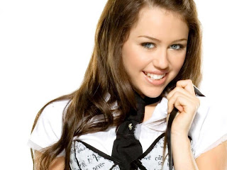 Miley cyrus close up smile desktop photo