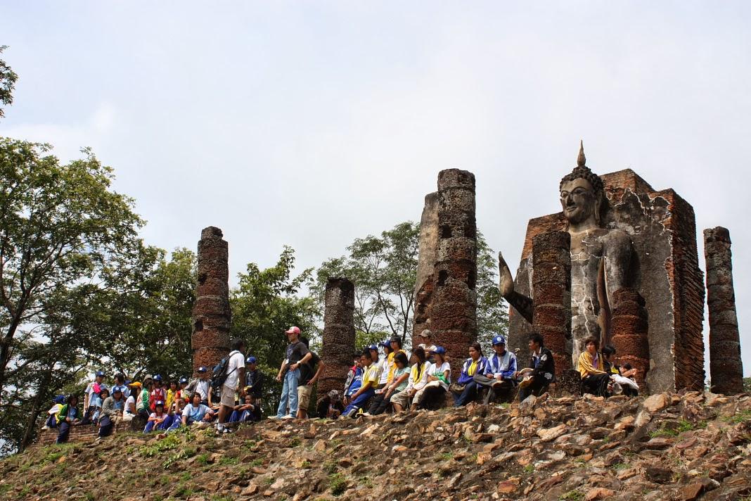 タイ旅行記23 スコータイ遺跡を ...