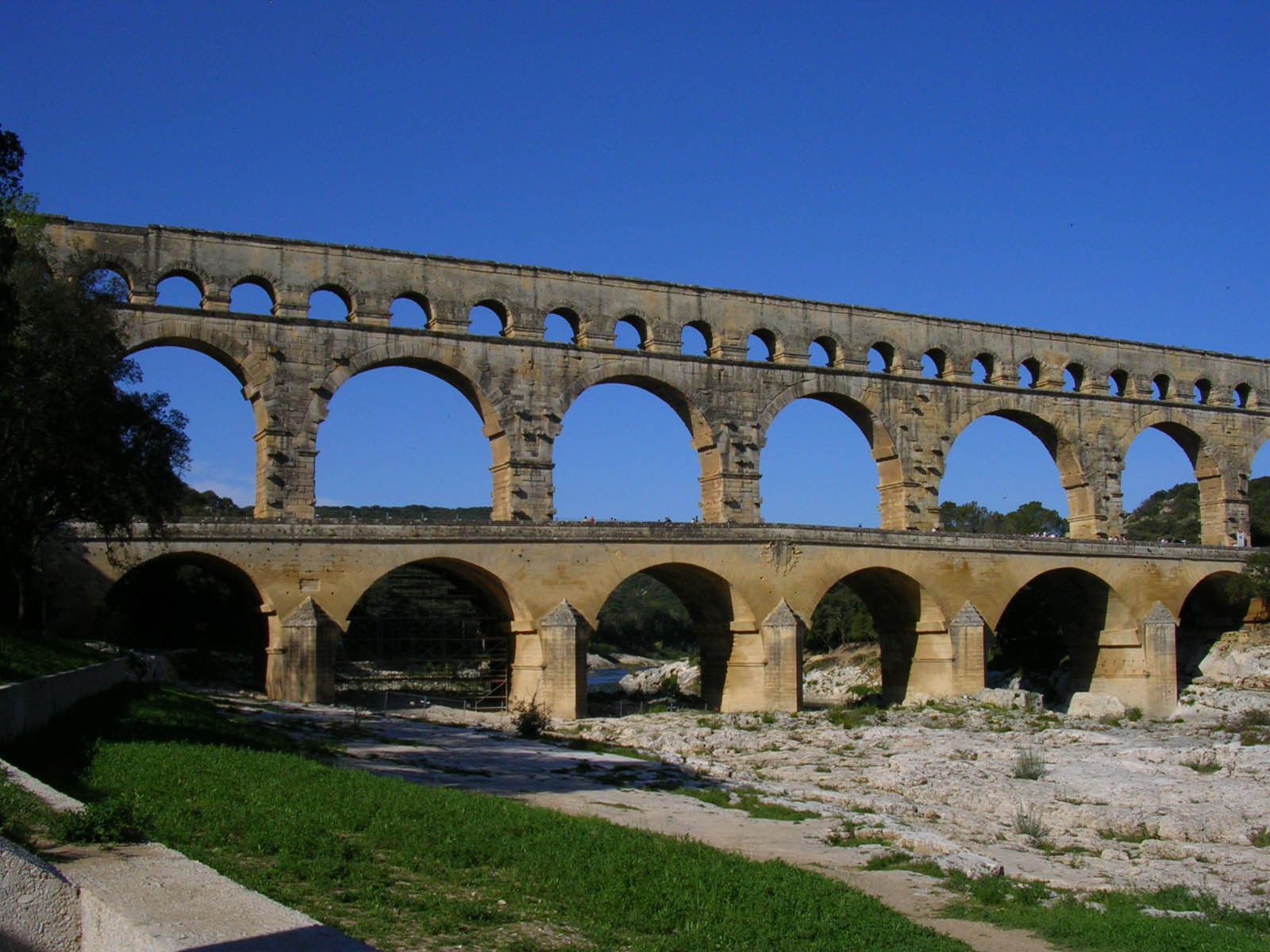 wallpapers: Pont Du Gard Roman Aqueduct