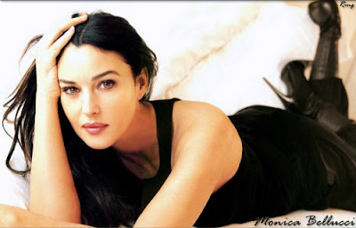 Monica Bellucci, 44 anos - Mãe de Deva