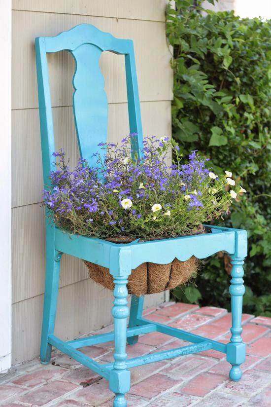 pot bunga dari kursi bekas hiasan dinding rumah burung dari