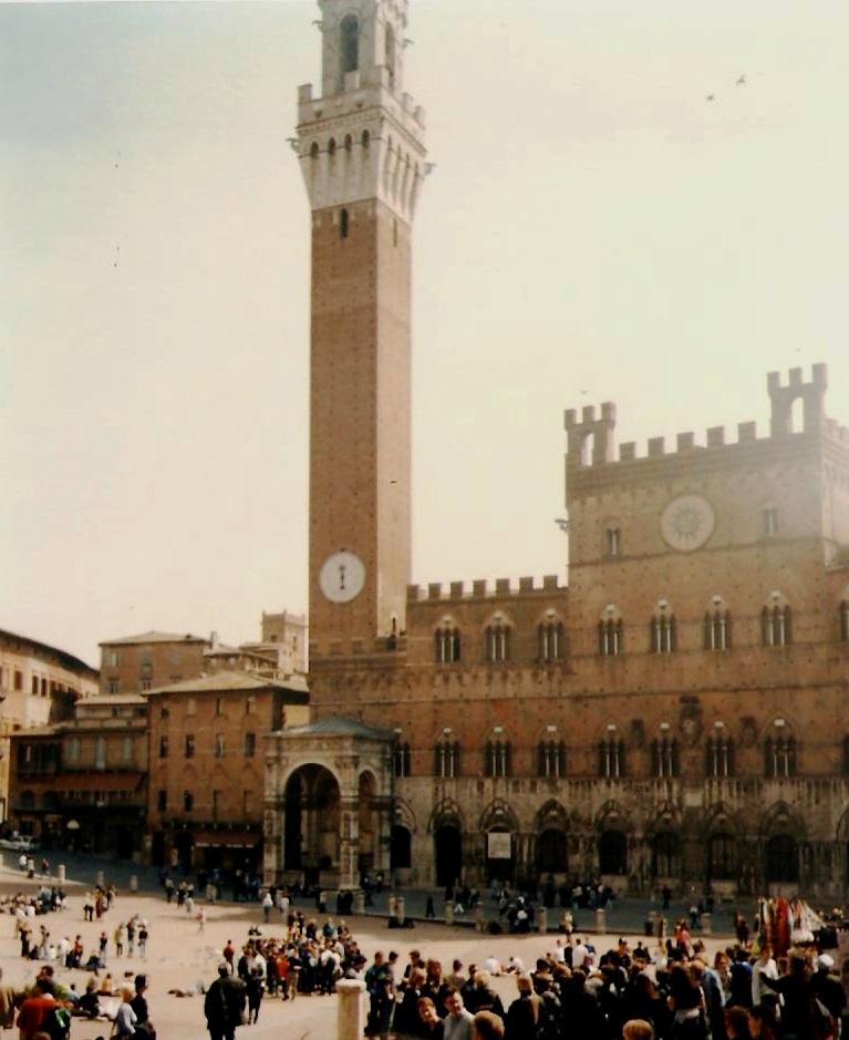 Diario de viaje de kiana italia norte junio 2000 for Arquitectura medieval
