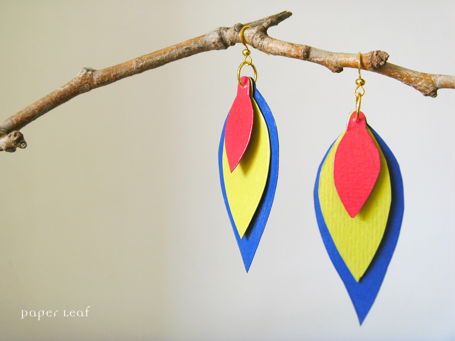 Plume Carioca paper earrings by PaperLeaf