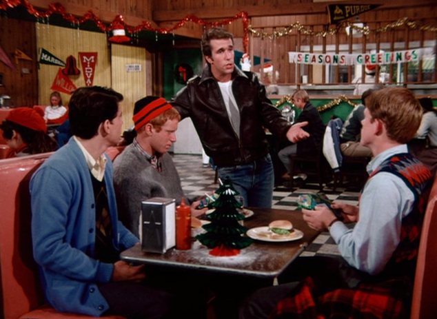 Christmas tv history happy days christmas 1974 the gang meet at arnolds to exchange gifts m4hsunfo