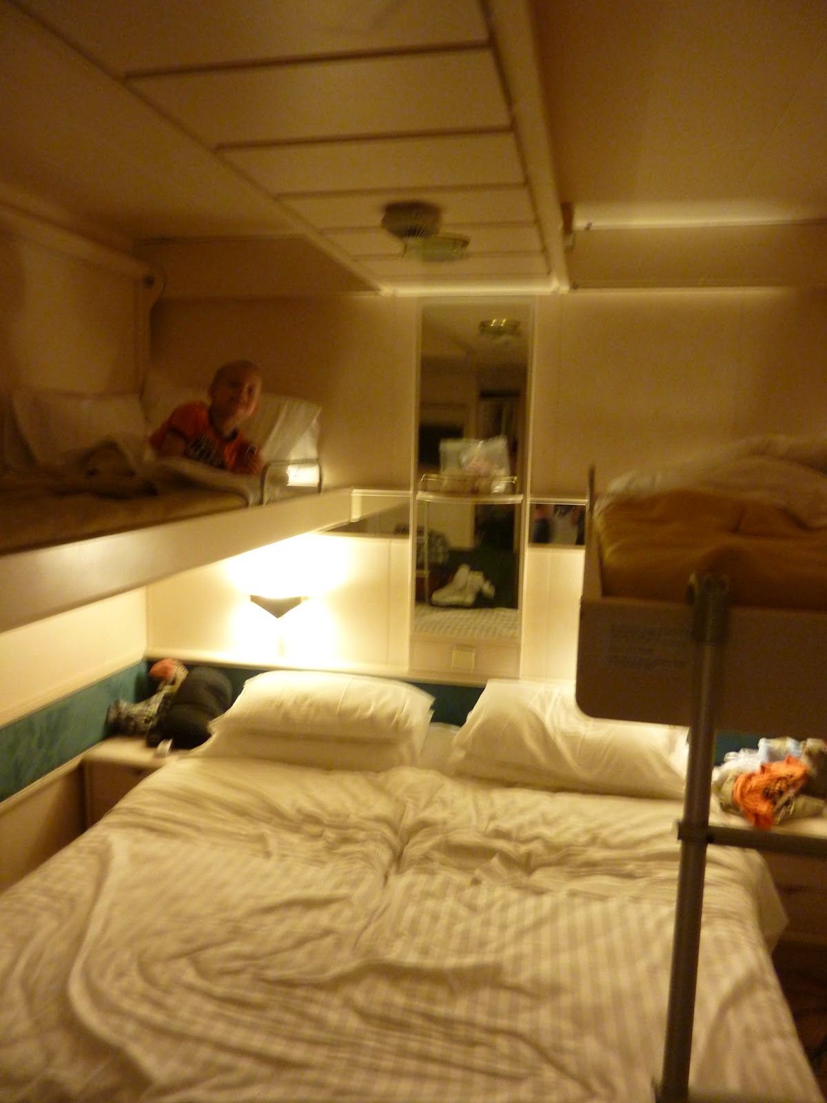 Raising kiwis it 39 s cruising time for Rhapsody of the seas cabins deck 2
