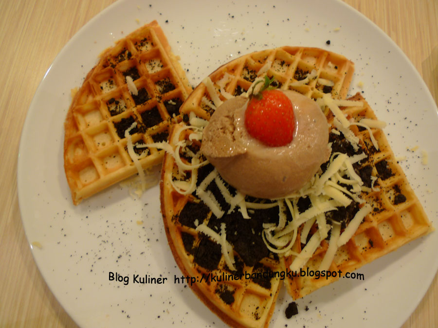 Coffee Cream Cookies Waffle di Mr Pancake