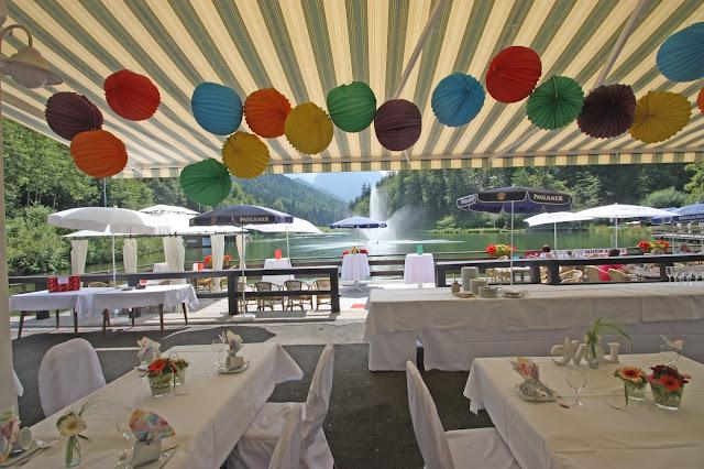 Hochzeitsfeier auf der Seeterrasse am Riessersee im Sommer