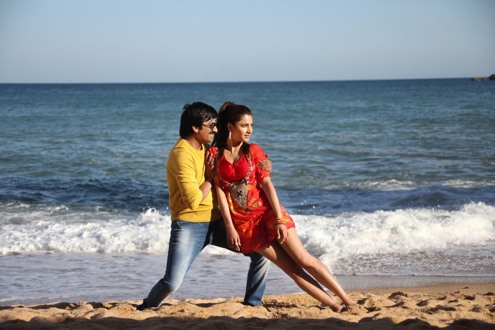 Shruthi Hassan in Stunning Romance Stills