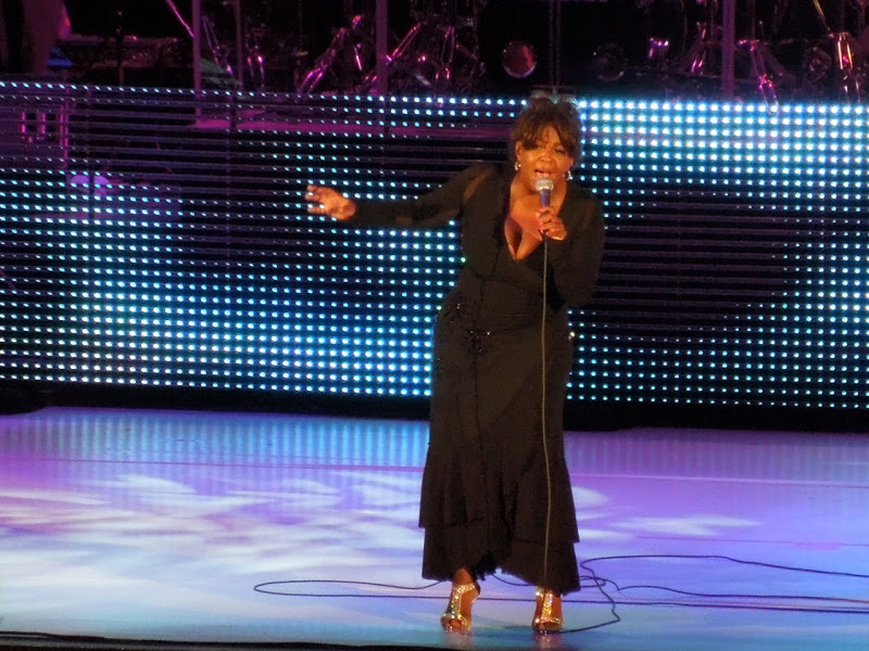 Anita Baker sings Hollywood Bowl