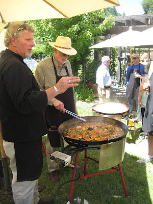 Gerard Nebesky teaching how to make paella