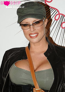 Nude Italian Celebrity actress super busty Ela Weber