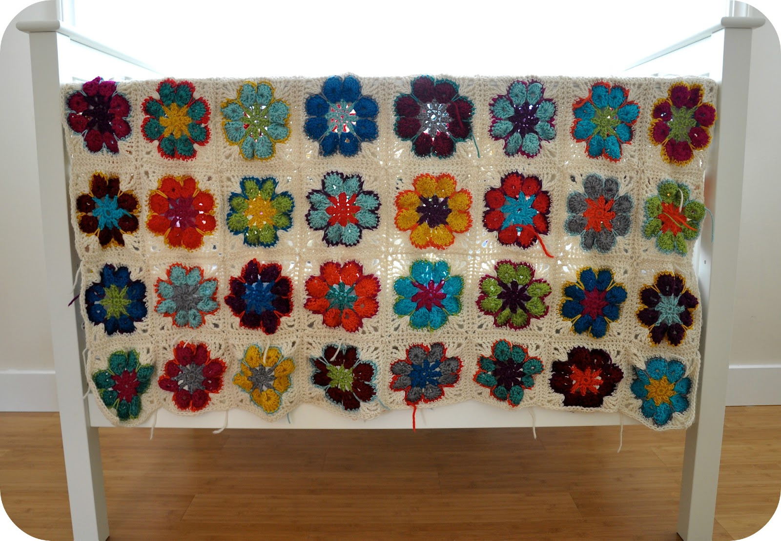 If you want to make this crochet granny square blanket too,