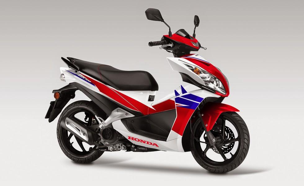 Foto Motor Honda Vario 150 CC 2015 Harga di Indonesia