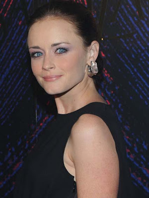 Alexis Bledel Decorative Earrings