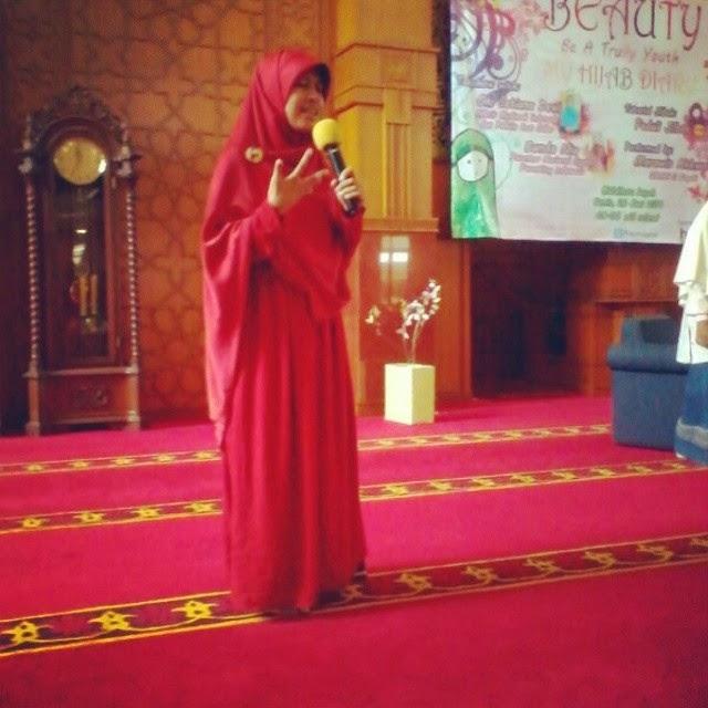 pendiri peduli jilbab Amalia dian ramadhani
