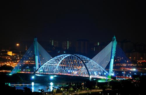 foto gambar Jembatan Putrajaya Malaysia