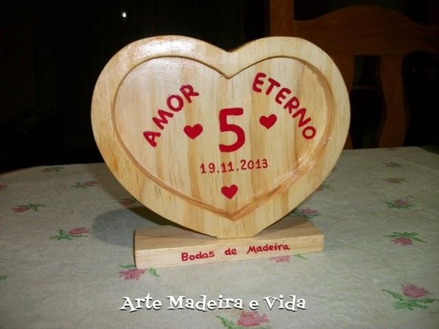 coração bodas madeira