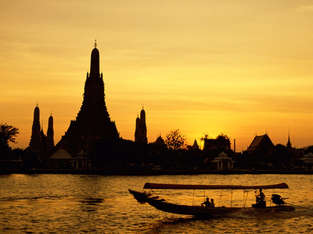 Wat Arun in Bangkok, Thailand || Top Wallpapers Download .blogspot.com