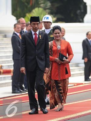 [Lifestyle] Ini Dia Batik Iriana Jokowi yang Bikin Ratu Denmark Terpesona