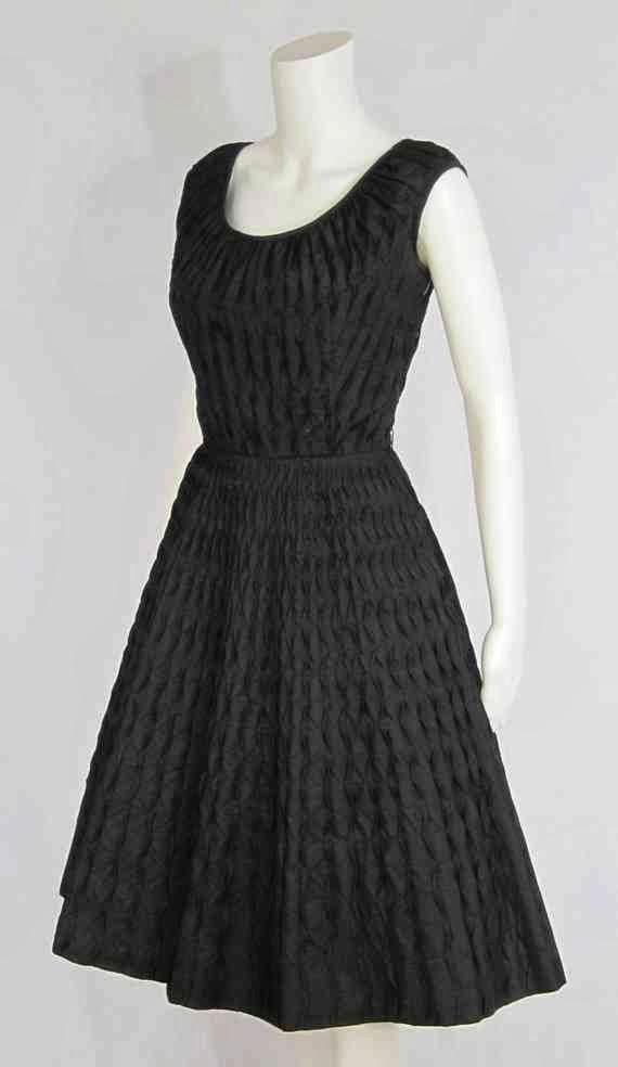 Rüyada Siyah Elbise Giymek