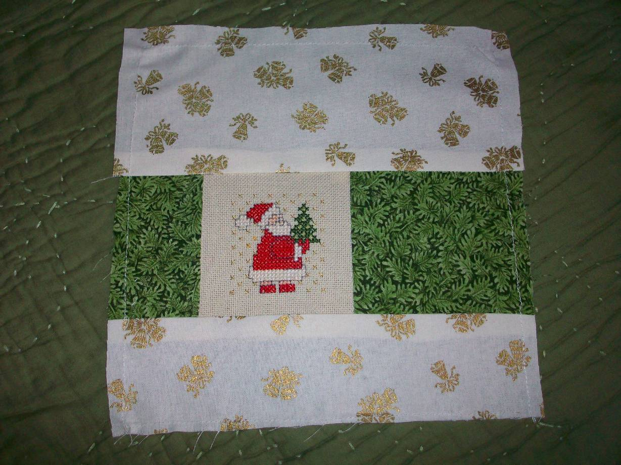 365 DAYS OF PINTEREST CREATIONS: day 262: a christmas quilt block : 365 days of quilting - Adamdwight.com