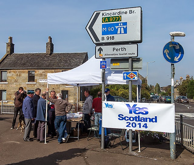 http://commons.wikimedia.org/wiki/Category:Scottish_independence_referendum,_2014#mediaviewer/File:Yes_campaigning_at_Kinross_-_geograph.org.uk_-_4162096.jpg
