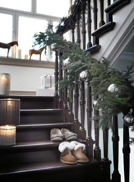 La fraise bleue aime le shabby novembre 2012 - Decoration escalier noel ...