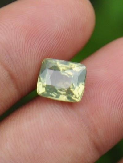 natural yellow zircon