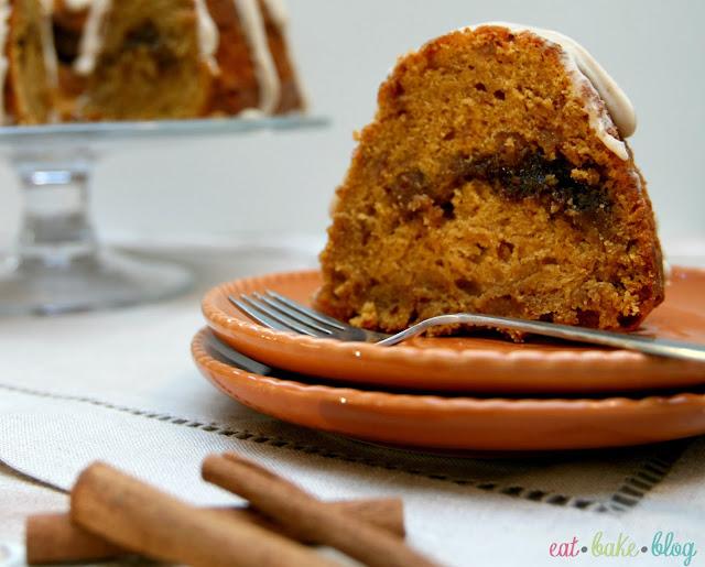 easy pumpkin cake recipe best pumpkin cake toffee cake recipe maple glaze