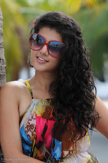taapsee ponnu latest beautiful Pictures 010