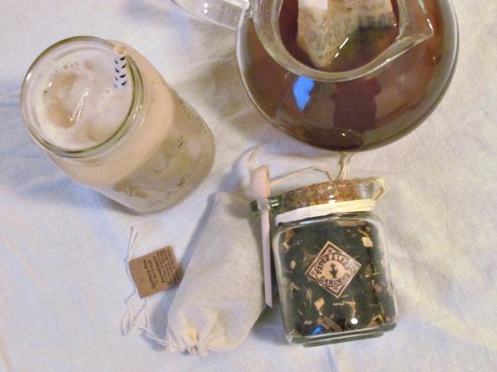 Pumpkin Moonshine tea brewing by Piper&Leaf Artisan Tea Co.